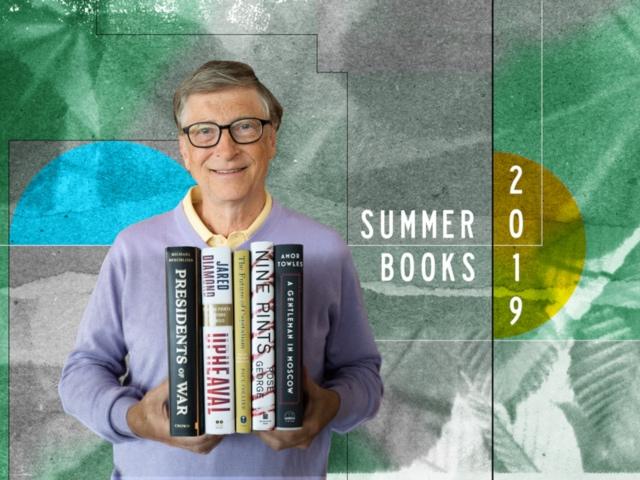 بیل گیتس دومین مرد ثروتمند جهان چه کتاب هایی را پیشنهاد میکند؟